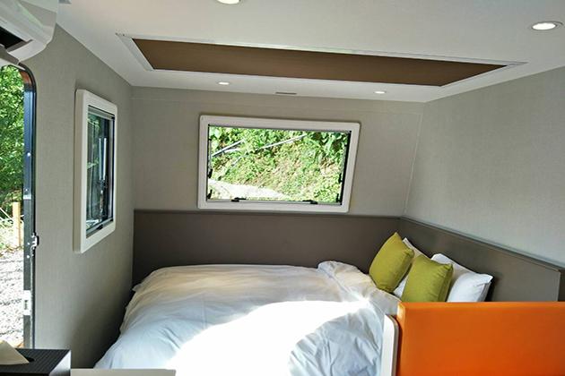 房型12,兩人房(一般雙人床+沙發) –車號 22: 藍色II (無電視) 1