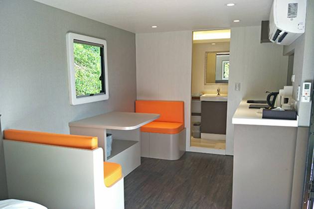 房型12,兩人房(一般雙人床+沙發) –車號 22: 藍色II (無電視) 2