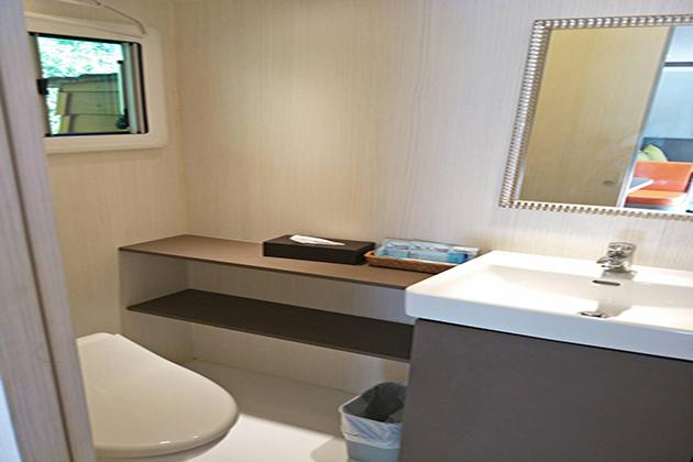 房型12,兩人房(一般雙人床+沙發) –車號 22: 藍色II (無電視) 3