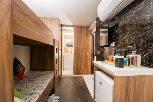 房型2,四人房(Q size雙人床+上下舖) –車號 2、3、5 2