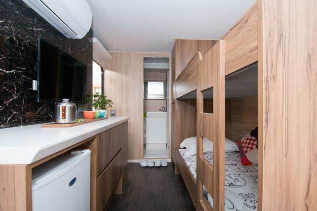 房型3,四人房(Q size雙人床+上下舖) - 車號 4、8、15 2