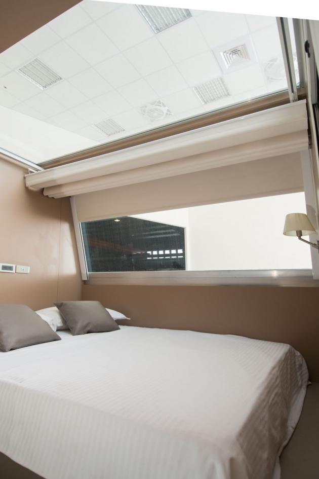 房型5,四人房(標準雙人床+上下舖) - 車號 9:藍色呼啦【寵物房,無電視】 1