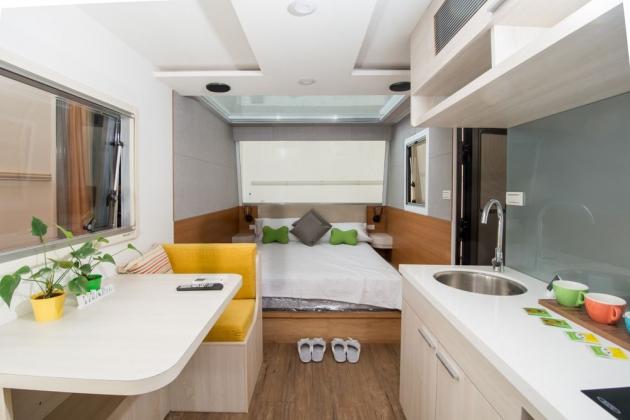 房型10,兩人房(一般雙人床+沙發) –車號 20: Silver White 2